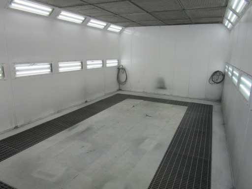 SAICO社製塗装ブース(床面特殊施工)